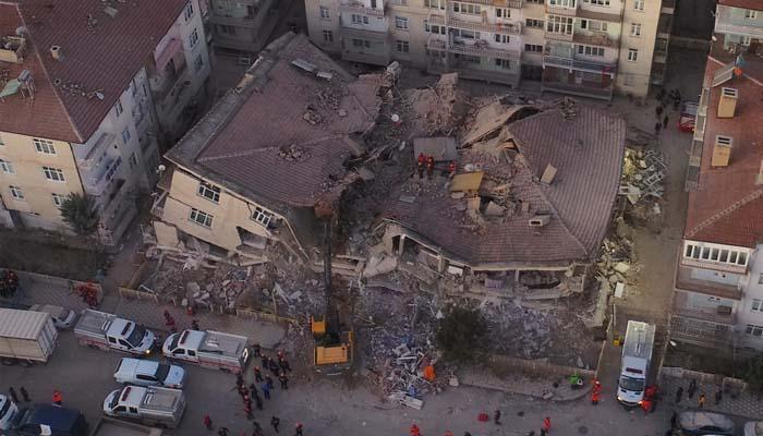 Αν. Τουρκία: Ανείπωτη τραγωδία στην Τουρκία με 22 νεκρούς από το σεισμό