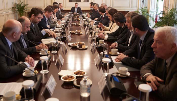 Σύσκεψη Πρωθυπουργού με Περιφερειάρχες - Ακυρώνονται οι μαθητικές και στρατιωτικές παρελάσεις της 25ης Μαρτίου