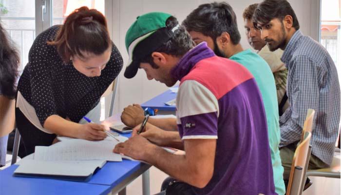 Άγγελος Τζίτζιρας*: Τι εκπαίδευση θέλουμε για τους πρόσφυγες