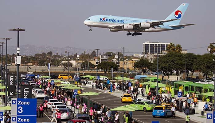Bloomberg: Έτοιμες να βάλουν «λουκέτο» πολλές αεροπορικές εταιρείες