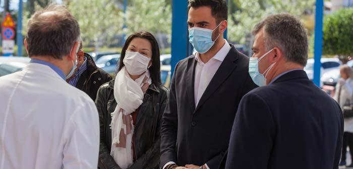 Μανώλης Χριστοδουλάκης στο νοσηλευτικό προσωπικό: Είμαστε δίπλα σας και σήμερα και αύριο
