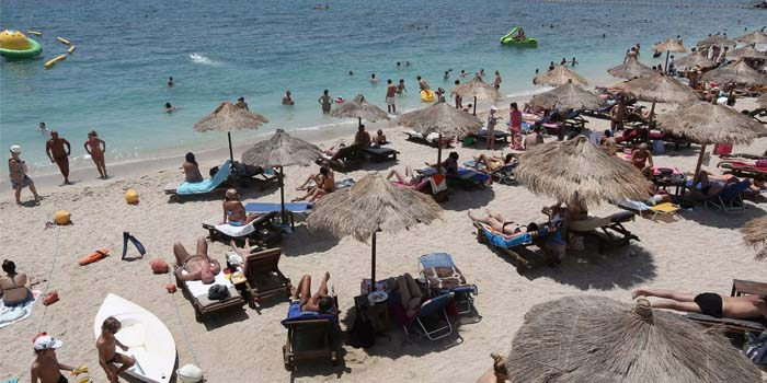Ανοίγουν το Σαββατοκύριακο οι οργανωμένες παραλίες για το κοινό