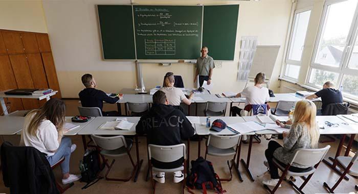 Κορονοϊός: Το άνοιγμα των σχολείων στην χώρα μας, αλλα και στην Ευρώπη