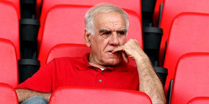 Θλίψη για το ελληνικό ποδόσφαιρο: Έφυγε από τη ζωή ο θρυλικός Νίκος Αλέφαντος