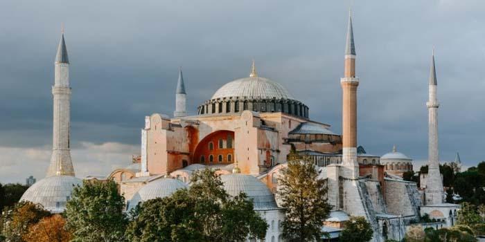 Συνεδριάζει σήμερα το Ανώτατο Δικαστήριο της Τουρκίας για το καθεστώς της Αγίας Σοφίας