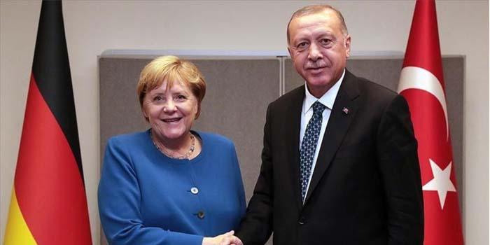 Τηλεφωνική επικοινωνία Μέρκελ - Ερντογάν μετά τις τουρκικές προκλήσεις στο Καστελόριζο