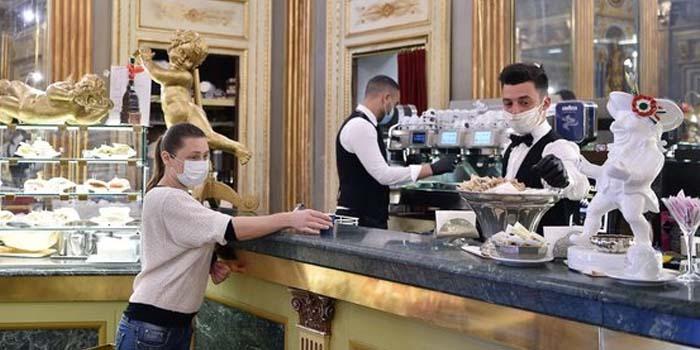 Κορονοϊός: 1.000 ευρώ πρόστιμο σε όποιον δεν φορά μάσκα σε κλειστούς χώρους σε μερικές περιοχές στην Ιταλία