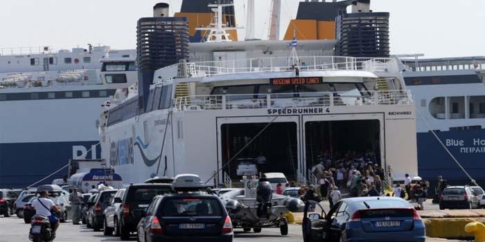 Αυξήθηκε στο 80% το πρωτόκολλο επιβατών στα πλοία της ακτοπλοΐας