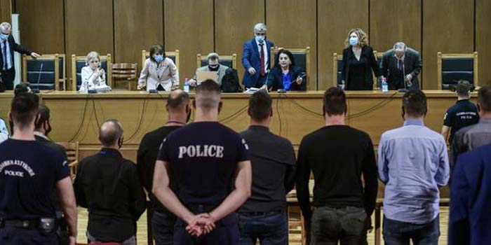 Ιστορική δικαστική απόφαση: Ομόφωνα εγκληματική οργάνωση η Χρυσή Αυγή [Φωτο]