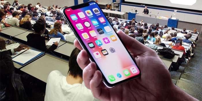 Στο κινητό τους, με sms, θα σταλούν οι κωδικοί των πρωτοετών φοιτητών από τις γραμματείες των σχολών