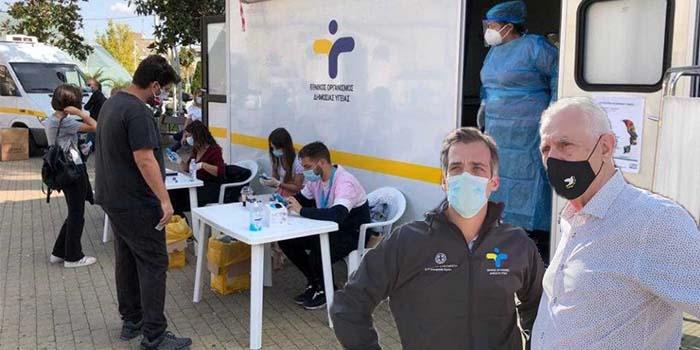 Ανησυχία στο Περιστέρι: Εντοπίστηκαν 31 κρούσματα Κορονοϊού από τεστ του ΕΟΔΥ με μέση ηλικία τα 35 έτη