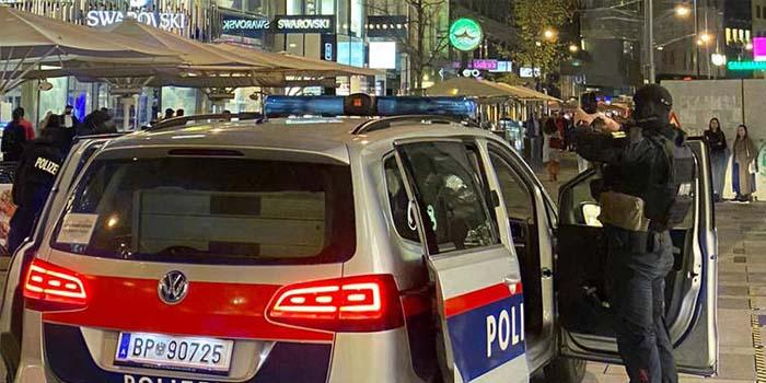 Βιέννη: Μπαράζ επιθέσεων σε έξι σημεία με νεκρούς στο κέντρο της πόλης - Τρομοκράτης ανατινάχθηκε με εκρηκτικά