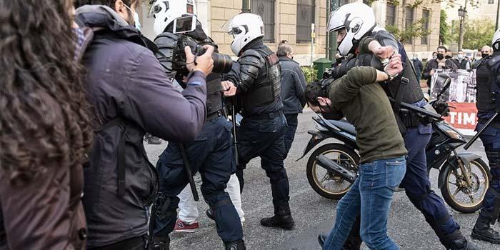 Επέτειος Πολυτεχνείου: Πάνω από 100 προσαγωγές στην Αθήνα - Δύο αστυνομικοί τραυματίες