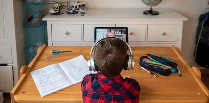 Στη Γερμανία σκέφτονται παράταση σχολικού έτους ακόμα και μέχρι τα ερχόμενα Χριστούγεννα
