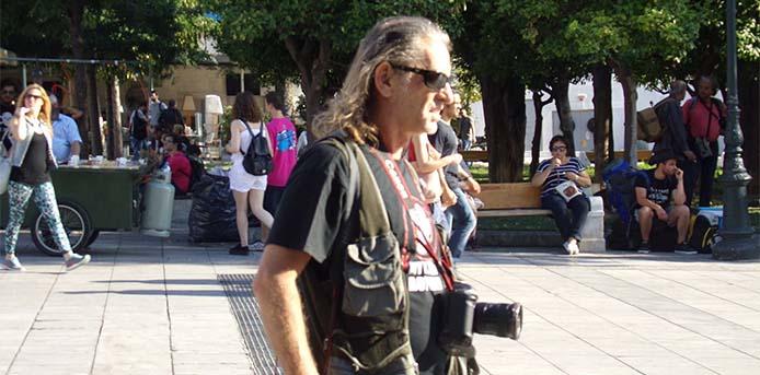 Συγκλονίζει ο φωτορεπόρτερ Μάριος Λώλος περιγράφοντας τη μάχη του με τον κορονοϊό και την ηρωική βοήθεια των γιατρών
