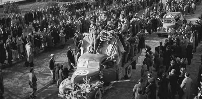 Καλημέρα με πρόσωπα και γεγονότα της Μεσσηνίας - Σαν σήμερα……7 Μαρτίου 1945. Τάγμα Ελληνικής Εθνοφυλακής εισέρχεται στην Καλαμάτα